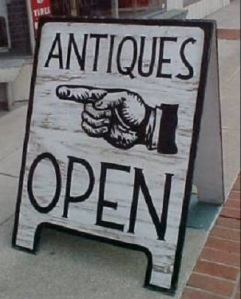 antiquemallsign