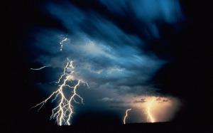 lightning-thunderstorm-vista-background-free-background